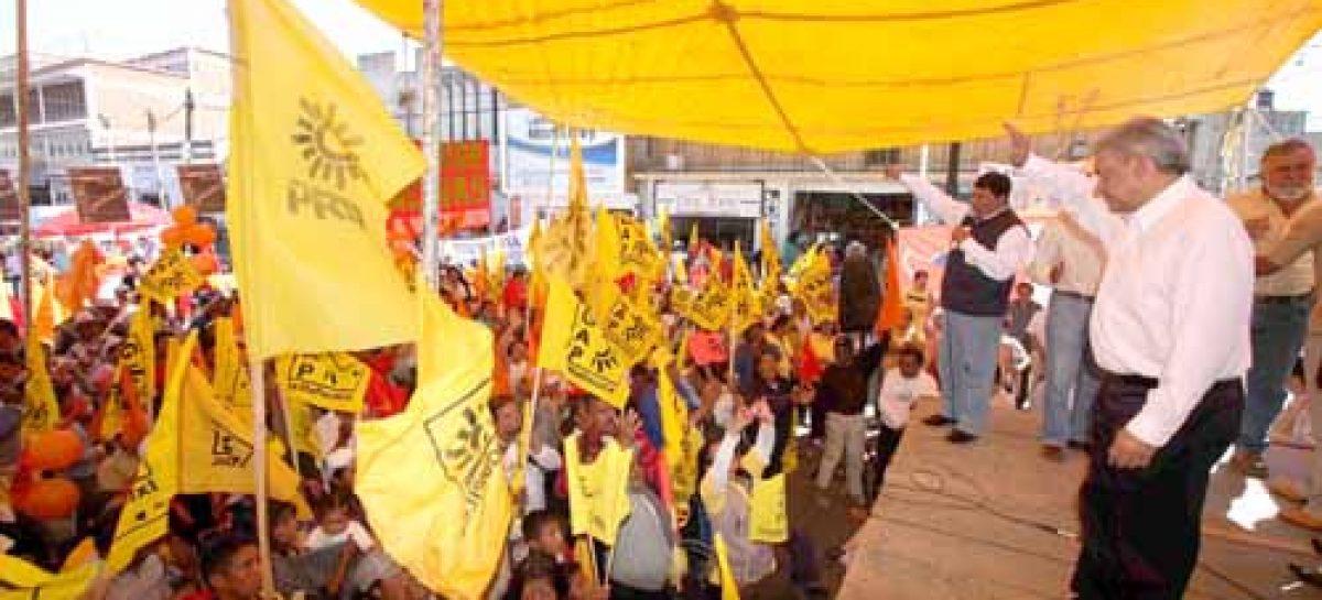 Solicita López Obrador licencia del PRD, mientras mantenga el contubernio con el PAN