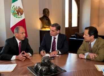Reforzarán programas educativos en comunidades marginadas de Oaxaca