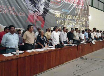 Repudia la 22 del SNTE represión del martes, alista jornada de lucha y discute salida de funcionarios
