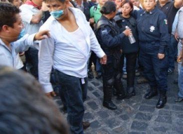 Rescatan a policías retenidas