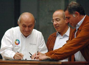 Juicio político al presidente Felipe Calderón y castigo al ex gobernador Ulises Ruiz; acuerda la Sección 22 del SNTE
