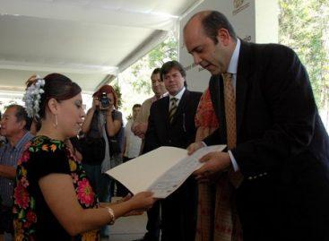 Celebran unión legal 307 parejas; la familia, base de la sociedad oaxaqueña: Ugartechea