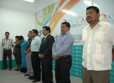 Rinden protesta 12 agentes municipales y de Policía; repondrán elección en San Martín Mexicapam