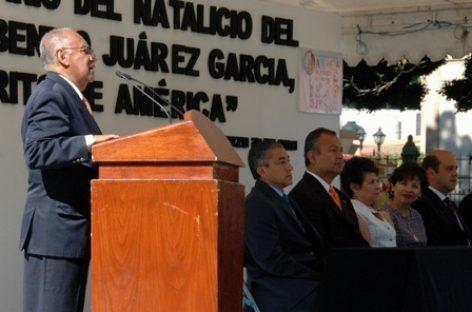 """Rememoran a Benito Juárez con """"Apuntes para mis hijos"""""""