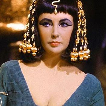 Liz Taylor-Cleopatra-in-blue-1963