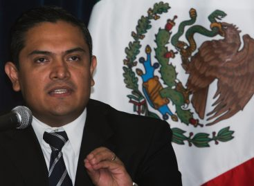 Renuncia López Escamilla a Secretaría de Seguridad Pública de Oaxaca, no es aceptada por Gabino Cué