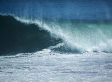 Si novedad por fuerte oleaje en la costa de Oaxaca, por el terremoto de Japón