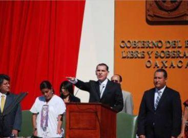 Ordena IEAIP al gobernador Gabino Cué entregar información sobre gastos de toma de posesión
