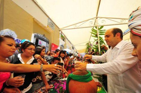 Conviven ciudadanos, autoridades y comerciantes en torno a la tradición de la Samaritana