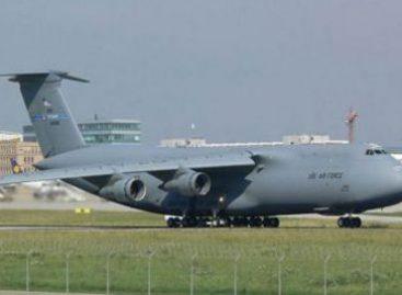 EU reclama a Argentina devuelva material bélico requisado a avión militar