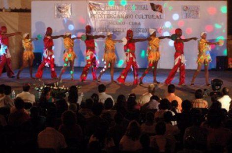 Ofrece Danza Cuba clases de salsa, rumba y cha cha cha en escuelas de Oaxaca