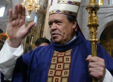 Irrumpen misa en la Catedral del DF, protestan contra Norberto Rivera