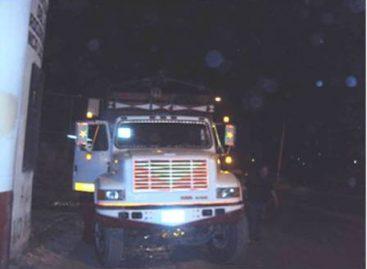 En Tlaxiaco recuperan camión torto robado en Zimatlán, no hay detenidos