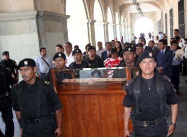 Trasladan Constitución Política local del Congreso a Palacio de Gobierno