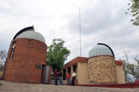 Invita Observatorio Municipal a admirar la belleza de la bóveda celeste