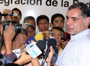 Mil 560 millones y aumento del 4.75 % al salario, ofrece Gabino Cué a la 22; para evitar el paro