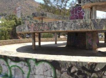 Pagarán tutores reparación de daños de jóvenes que grafitearon Monumento a la Madre