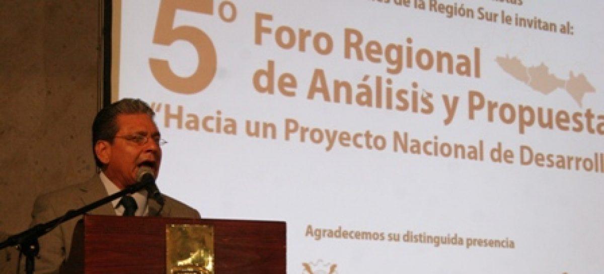 México requiere un millón de empleos al año, pero sólo genera la cuarta parte: Cano Vélez