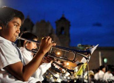 """Cautiva a propios y extraños """"200 niños, una sola banda"""", en la Plaza de la Danza"""