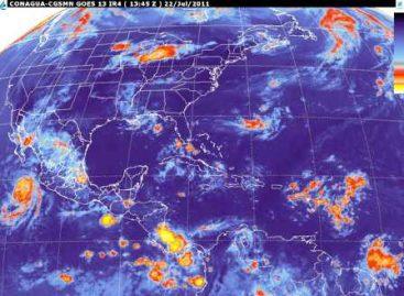 """Hoy viernes tormentas fuertes en occidente del país asociadas al huracán """"Dora"""" y en la península de Yucatán, por Onda Tropical No. 11"""