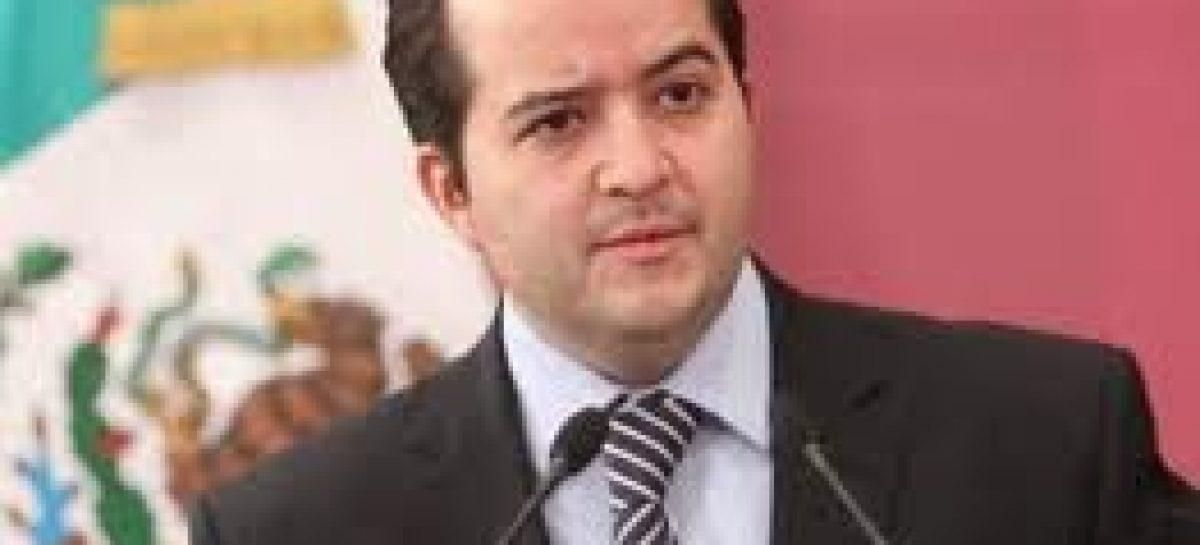 <strong>Absurda, la guerra entre cárteles: Alejandro  Poiré</strong>