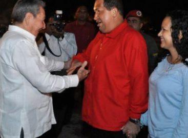 Llega a Cuba Chávez, a seguir tratamiento contra el cáncer; desata polémica su partida
