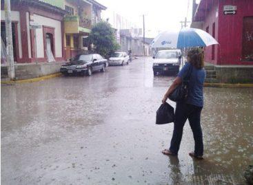 Lanza Meteorológico alerta para 14 estados por lluvias