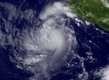 """Se debilita """"Calvin"""" a depresión tropical; continuarán lluvias en Oaxaca"""