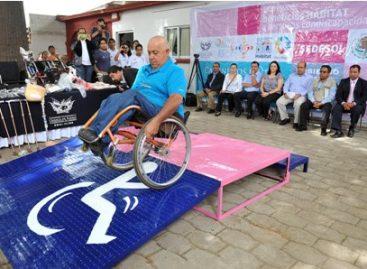 Entrega municipio capitalino aparatos ortopédicos a personas con discapacidad