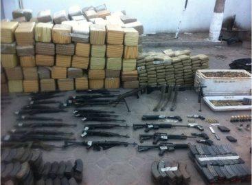 Hallan armamento y más de 2.5 toneladas de mariguana en un subterráneo en Camargo, Tamaulipas