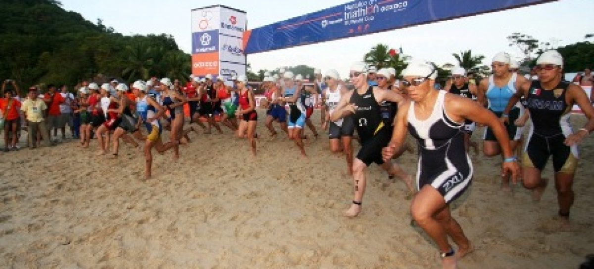 Inicia con éxito triatlón Huatulco 2011; cuatro oaxaqueños obtienen primeros lugares