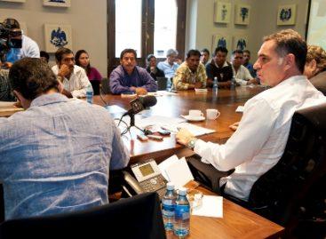 Dará gobierno estatal apoyo integral a habitantes de Santiago y Santa Cruz Mitlatongo