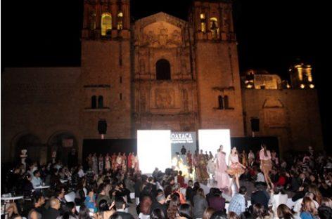 Un éxito, pasarela Oaxaca Experience Tour, en Santo Domingo de Guzmán