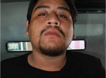 """Rescata PF a mujer y detiene a dos secuestradores de """"La Barredora"""", en Acapulco"""