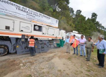 Ejercen 100 mdp para reconstrucción de la carretera Sola de Vega-Puerto Escondido