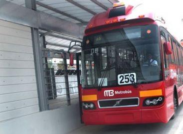 Reducción de 100 mil toneladas de emisiones contaminantes anuales con operación de metrobús