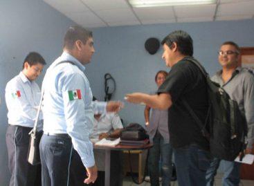 Hostigan agentes de Gobernación a Diario del Sur; Migración busca ilegales donde no hay