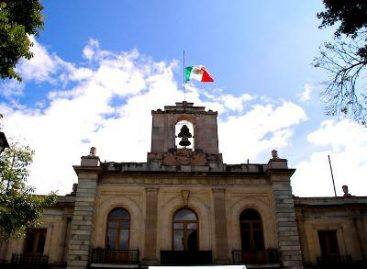 Colorida visita de niños indígenas al Palacio de Gobierno