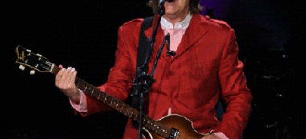 Paul McCartney rompe récord en el zócalo capitalino
