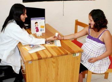 Tomar ácido fólico para evitar riesgos en el embarazo: SSO