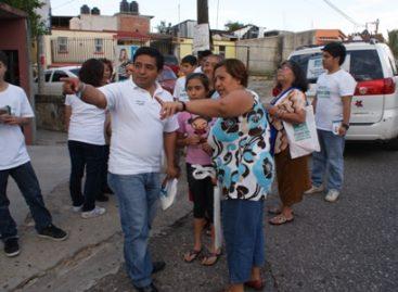 Exponen colonos de la unidad habitacional 1 de Mayo inquietudes a candidato a diputado de Nueva Alianza