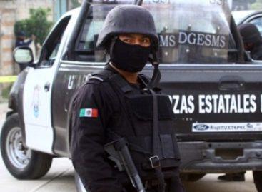 Policía Estatal realiza recorridos de seguridad, deteniendo a cuatro personas