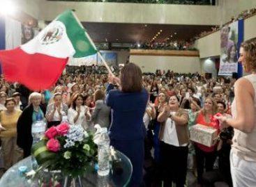 """A México """"hoy le toca una Presidenta"""": Vásquez Mota"""