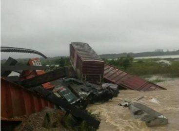 "Declaración de Emergencia para 13 municipios más afectados por el huracán ""Carlotta"", en Oaxaca"