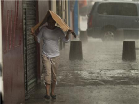 Cae intensa lluvia