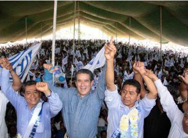 Recibe Diódoro Carrasco respaldo de miles en sus cierres regionales en Huautla y Tuxtepec