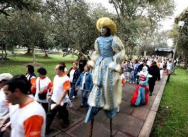 """Cerca de cuatro mil asistentes en la """"Caminata diez mil pasos por tu salud"""", en el DF"""