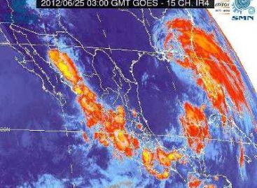 Tarde-noche con lluvia en la Ciudad de México; reportan 65 encharcamientos