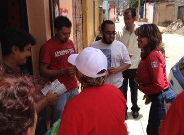 Continúa Liz Acosta su campaña casa por casa