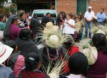 Habitantes de Nochixtlán comprometen su voto con Paty Legaria y el PAN